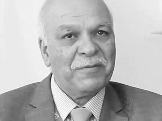 Prof. Davinder Sandhu, MD